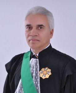 Desembargador Elvecio Moura dos Santos